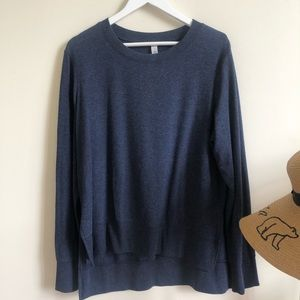 Alo yoga blue sweatshirt